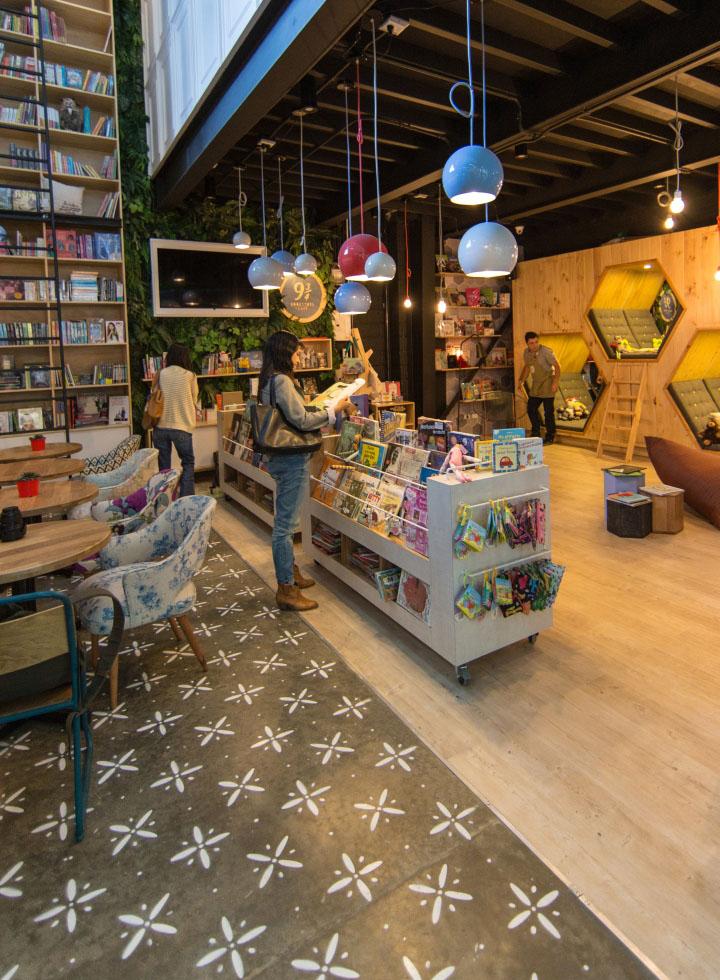 9-3-4-Bookstore-Cafe-by-PLASMA-NODO-Medellin-Colombia-11