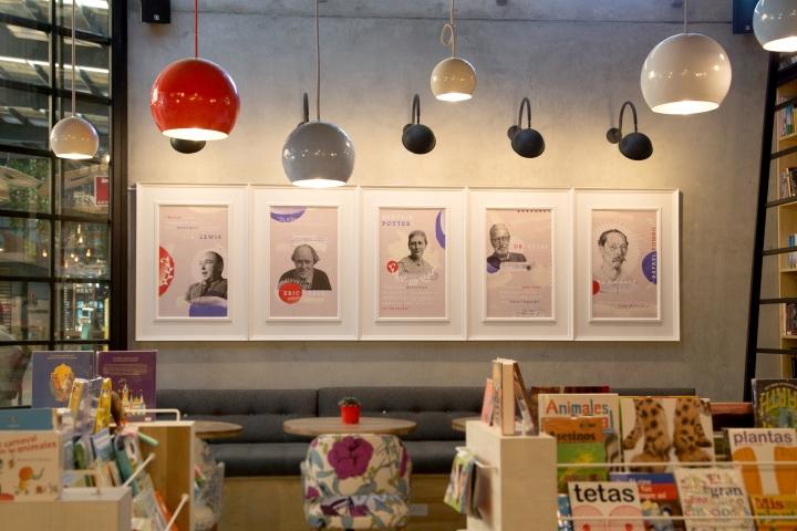 9-3-4-Bookstore-Cafe-by-PLASMA-NODO-Medellin-Colombia-13